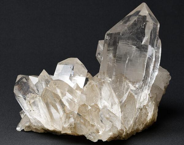 マニハール産水晶クラスター